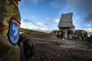 Das Radar eines Patriot Systems einsatzbereit in Stellung bei Rena/Norwegen im Rahmen der NATO-Großübung Trident Juncture (Quelle Bundeswehr/Schrief)